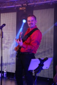 Franki mit Gitarre